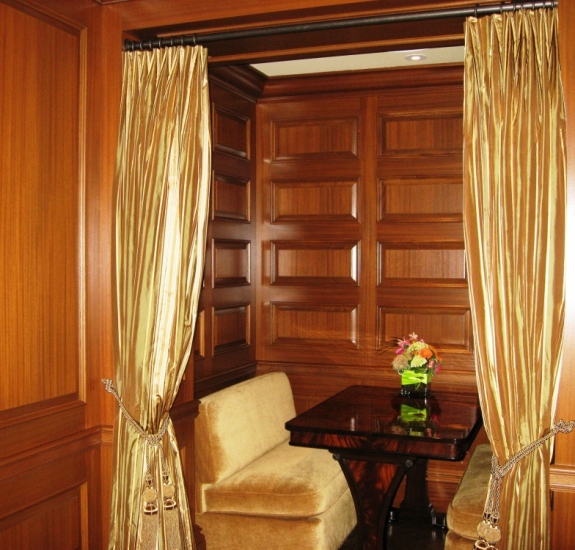 PRIVATE-DINING-BOOTH